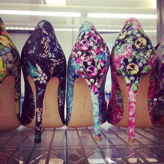 pantofi inflorati
