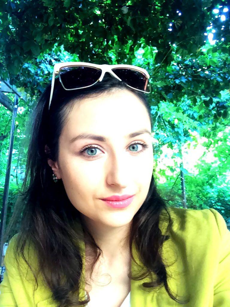 Luiza Olteanu Rebrand Yourself