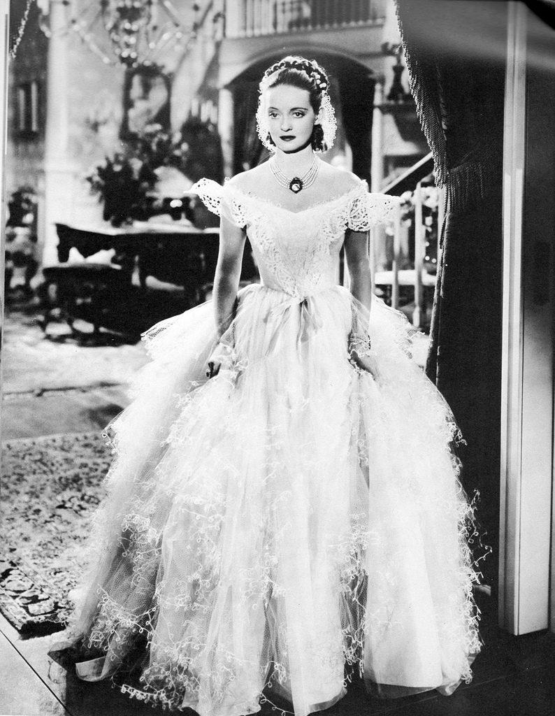 Frou Frou Dress Jazbel worn by Bate Davis
